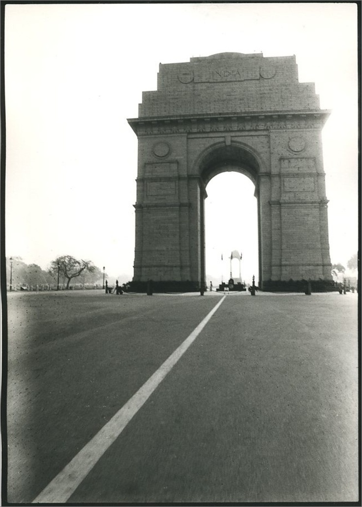 The striking India Gate is the national monument of India. Located in the heart of New Delhi.: Amazing India, Favorite Places, Dont Care, Bharat India, Geweest, Amazing Places, India Gates, Don'T Care, Jetsett Curator Escape