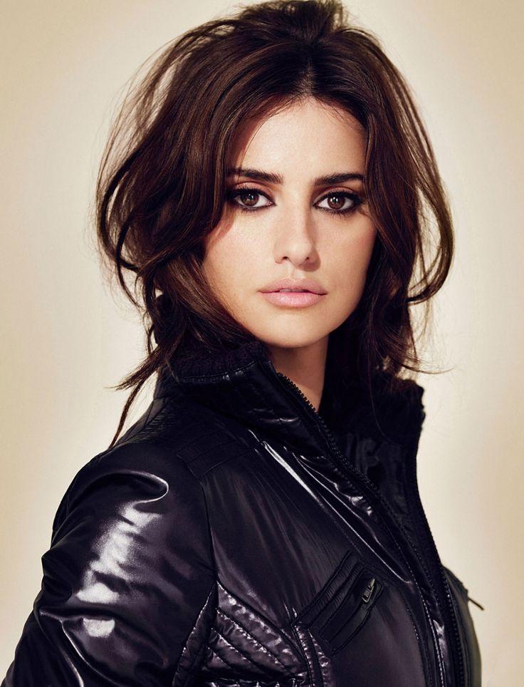 """Ella es una actriz española que recibieron reconocimiento por sus papeles principales en """"Vanilla Sky,"""" """"All The Pretty Horses,"""" """"Captain Corelli's Mandolin,"""" y """"Blow."""""""