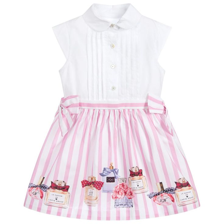 This adorable pink perfume bottle print dress by Lapin House has a white sleeveless top for a super chic look. With pink bows to tie at the waist and a zip fastening at the side, this dress is fresh and pretty choice for a smart or special day.