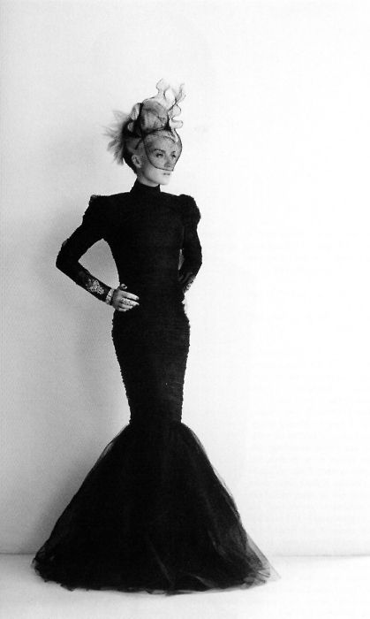 2013. Style icon Daphne Guinness. (Former wife of shipping magnate Spyros Niarchos - married at 19. Heiress to the Guinness family fortune). Cuffs Christian Lacroix. Veil by Philip Tracey. Photo by Paul Wetherell