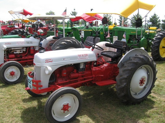 1946 8n Ford Tractor : Best images about ford on pinterest henry