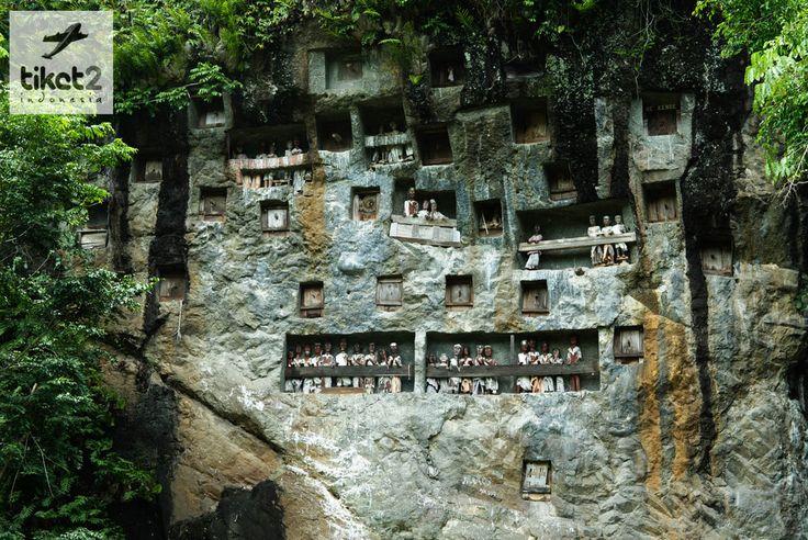 Londa adalah salah satu pemakaman unik di Tana Toraja, Sulawesi Selatan. Lokasinya terletak antara kota Makale dan Rantepao, di Tadongkon.