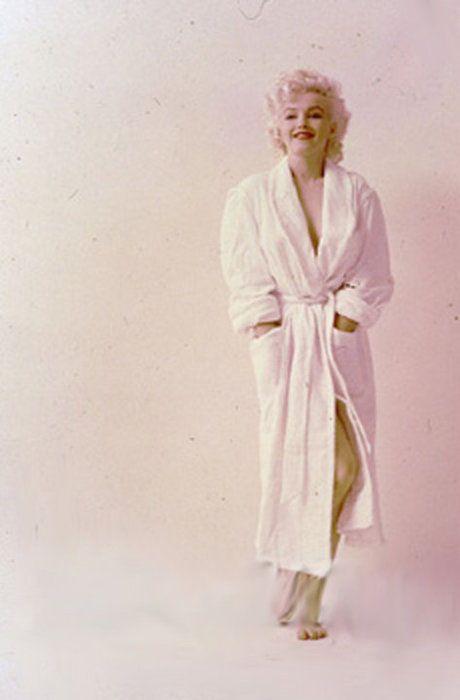 8/03/1955 White Robe - Marilyn par Milton - Divine Marilyn Monroe