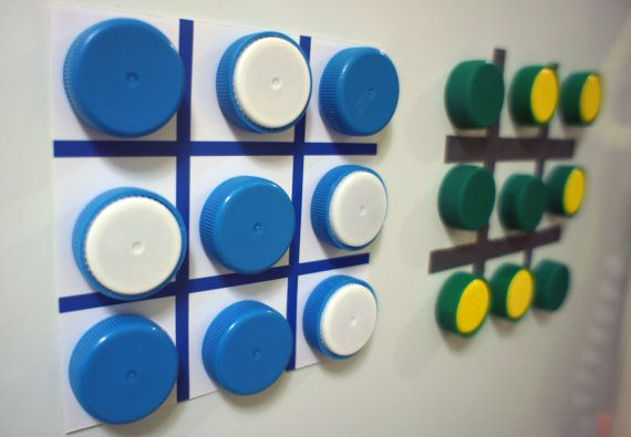 Eco Friendly Magnet Game made from Upcycled Plastic Bottle Caps - Juego magnético eco-friendly hecho de tapas de botellas recicladas