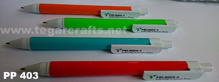 PP403 type pen with white clip is available in four colors: orange, green, blue, and red PT Pelabuhan Indonesia IV or Pelindo IV is Indonesian State-Owned Enterprises engaged in the field of port services such as cargo handling, passenger transportation, etc. based in Makassar, South Sulawesi. PT Pelindo 4 has a cool tagline: Lokomotif Pembangunan Indonesia Timur . For better known by the public, PT Pelindo IV ordered souvenirs such as plastic pens for promotional item to Tegarcrafts.