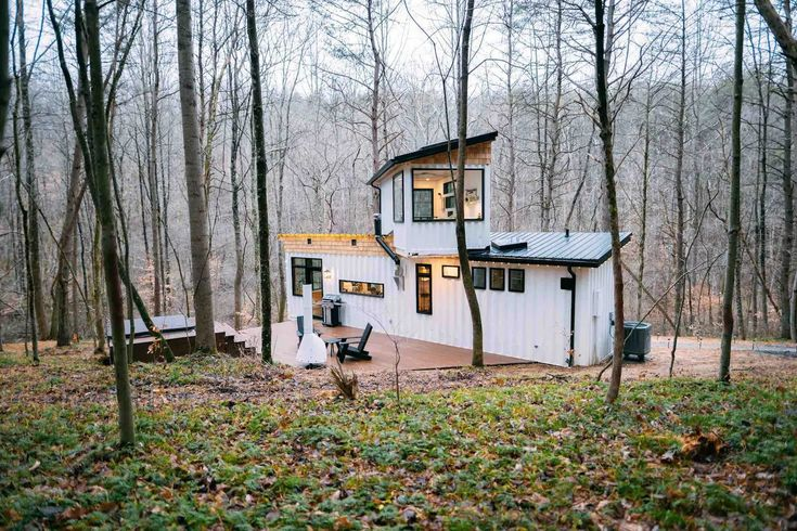 20 Tiny Houses in Ohio You Can Rent on Airbnb in 2020! in
