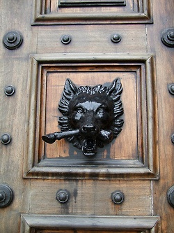 Wolf\u0027s head door knocker at Highclere\u0027s Castle the real ABBEY of DOWNTON ... & 197 best Knobs/Knockers/Locks/Keys images on Pinterest | Door ... Pezcame.Com