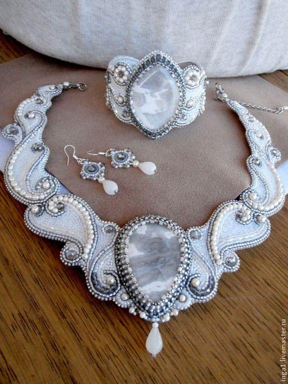 """Комплект """"Оттепель"""" - белый,комплект украшений,украшение с жемчугом,браслет на руку"""