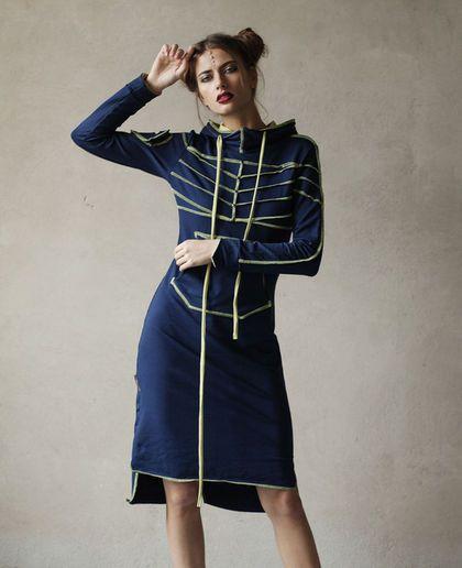 Купить или заказать Платье 'Про' - Синий иней в интернет-магазине на Ярмарке Мастеров. Одежда Radivaska - это сочетание повседневного стиля с нестандартным асимметричным кроем, который придаёт изюминку и избавляет от скуки Вас и окружающих. Основная концепция - смелые вариации и комбинации одежды, легко трансформирующейся в Ваших теплых и нежных руках. Драпировки, стяжки, капюшоны и кулисы, выпуклые швы, широкая цветовая палитра в мягком трикотажном хлопке.