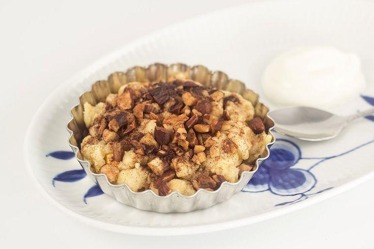 Prøv disse super lækre og nemme mini æbletærter med crumble. De smager super godt!
