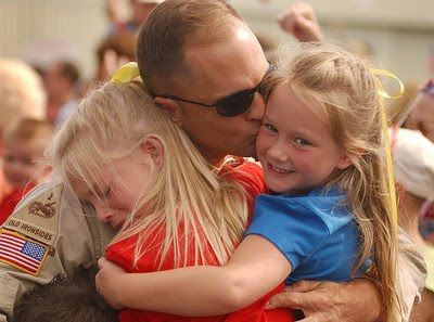Troops+Coming+Home | Rights and Responsibility: 10 Kleenex Clip! - Soldiers Coming Home