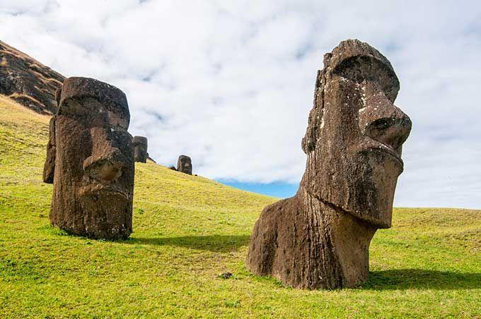 Los 10 lugares más remotos del mundo que deberías visitar | Isla de Pascua, Chile                                                                                                                                                                                 Más