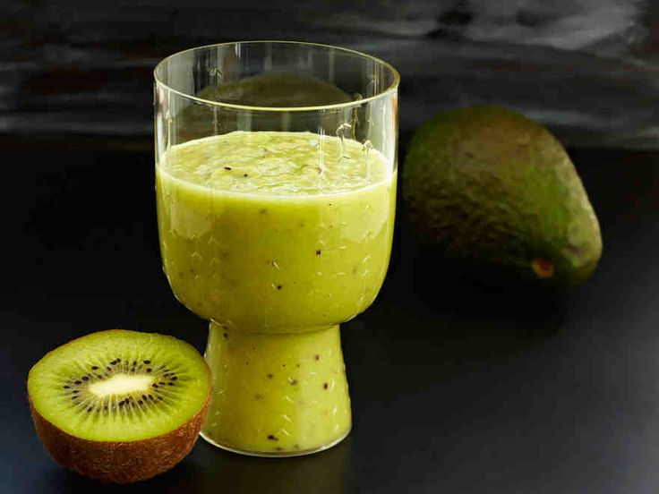 Avokado-kiivismoothie - Reseptit - Yhteishyvä