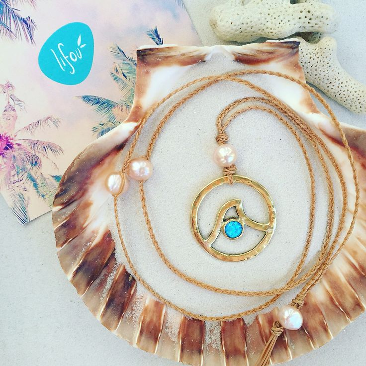 Lifou 'Neverending wave' necklace