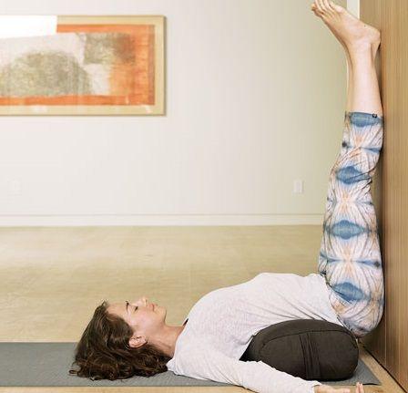 Minden nőnek napi 15 percet gyakorolnia kéne ezt a pózt