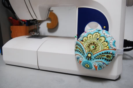 Pincushion for the sewing machine