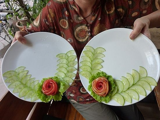 Plate Decorations... tomato roses... Add cucumbers for leaves.....
