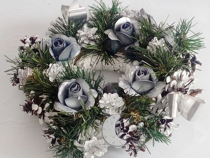 #Christmasdecoration  #wreath #pinecone