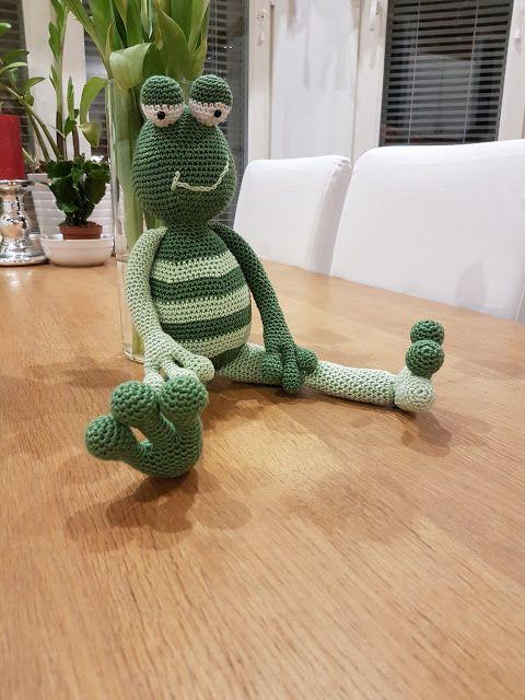 by MiaBina: Kaislikossa suhisee... - Kobus the Frog