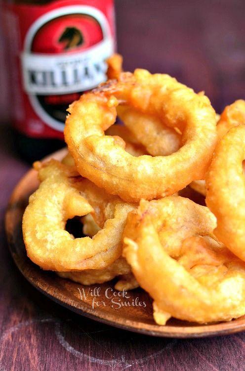 Beer Batter Onion Rings 2 from willcookforsmiles.com #onionrings #beerbatter #fried