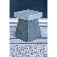 Moderniser une table avec une plaque de zinc - Marie Claire Maison