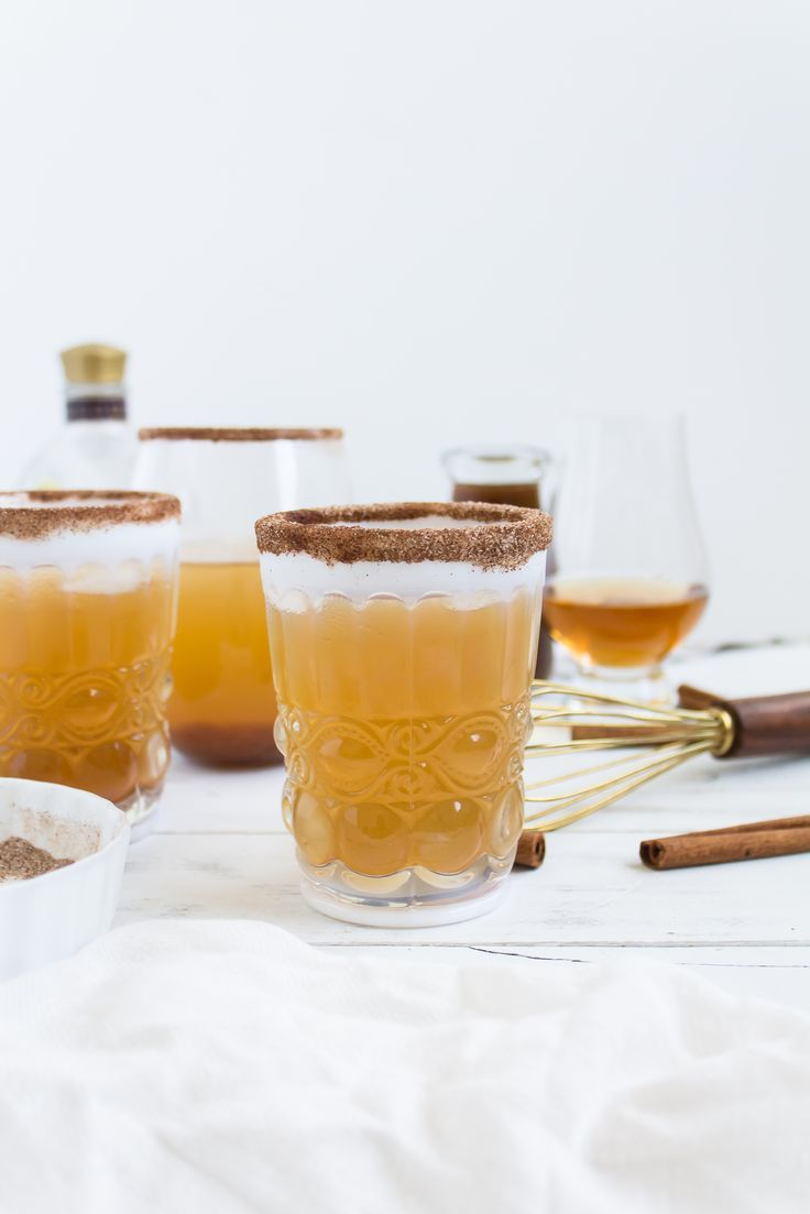 Foodie blogger Lexi of Glitter, Inc. shares a perfect fall cocktail recipe, and spin on a classic Kentucky Mule, combining homemade pumpkin ginger simple syrup, smooth bourbon, and spicy ginger beer, ideal for Halloween and Thanksgiving.   glitterinc.com   @glitterinc