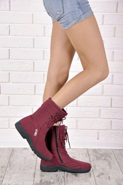shapely women's snow boots Women snow boots perfect for winter days. High upper leg stabilizes and improves comfort during wear. https://cosmopolitus.eu/product-eng-33980-.html #snow #boots #forladies #fashionable #cheap #winter #warm #comfortable