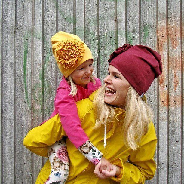 Mikä hymyilyttää? No kun nää @nopsupopsudesign -pipot on niin hienoja! Tässä Tampereen uusin nimi  #lastenvaatekarnevaali #tampere #nopsupopsu #nopsupopsudesign #ruusukepipo #pipo #beanie #madeinfinland #savonlinna #sastamala #äiti #tyttönimun #lastenvaatteet #kidsfashion #syksy #autumn Kuva: NopsuPopsu