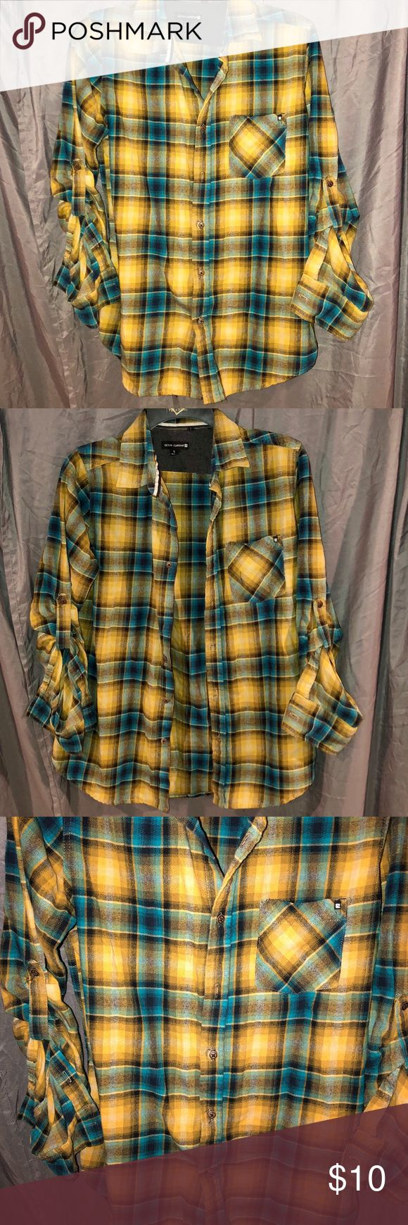 Ocean Current Men's Plaid Button Down Shirt *Great condition! *No tears/rips/stains, only flaw is that the shirt is missing one button (shown in third pic) Ocean Current Shirts Casual Button Down Shirts