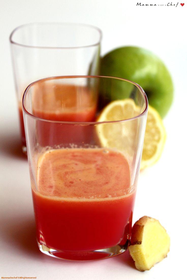 Il Centrifugato di arancia, carota, mela, limone e zenzero è un concentrato di antiossidanti, vitamine e sali minerali. Semplice e veloce da preparare.