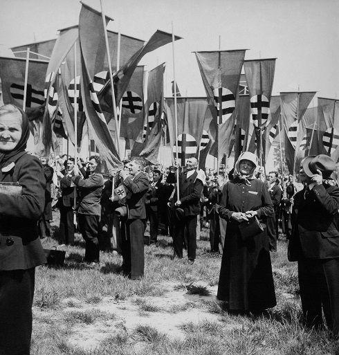 Viliam Malík - Zhromaždenie na Firšnáli (dnešné Námestie slobody), Bratislava, 1938