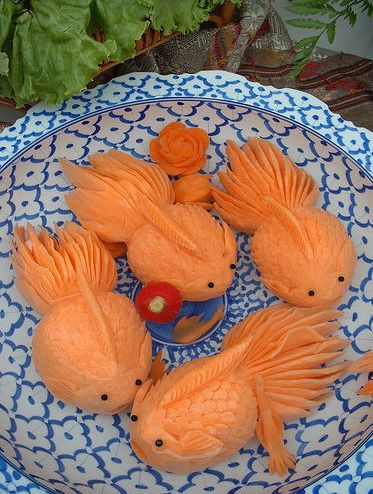 Goldfish carved out of #cantaloupe  http://mypinterest123.blogspot.com/2012/10/food-carvings.html