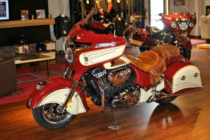 Bentley Continental For Sale >> Custom 2014 Indian Chieftain with incredible paint