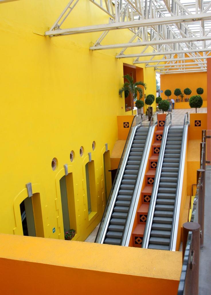Escaleras del Centro de Convenciones Puebla