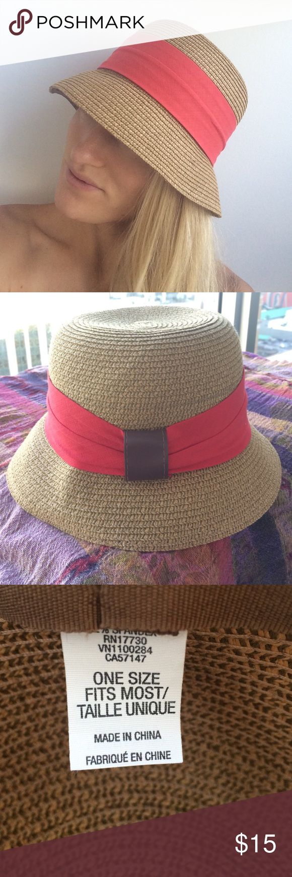 Women's sun hat Short brimmed beach or brunch ready sun hat. Wore it only twice. Accessories Hats