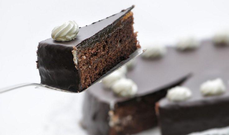 Βιεννέζικο κέικ σοκολάτας (Sacher Torte)