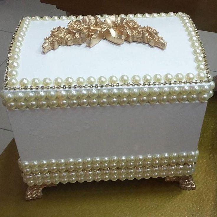 Baú de pérolas exclusivo do Ateliê D'Luxo.  #bau #perolas #portajoias #caixa #ateliê #ateliedluxodifusora #ateliedluxo #decoracao #decor #luxo