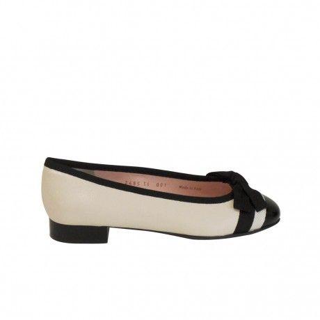 Le Babe Ballerine Black And White!!!  Comode, romantiche ed estremamente raffinate   Shop Online http://goo.gl/SBRJkJ  #LeBabeBallerine #Shoes #Donna #Girls #Fiocco #Paglione