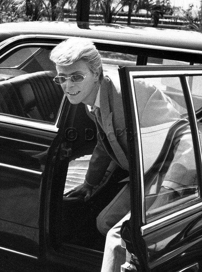 David Bowie, né David Robert Jones (1947-2016), chanteur, compositeur, producteur de disques, peintre et acteur britannique, à Cannes, photographie de Gérard Fouquet, 1983. © DocPix/Gérard Fouquet