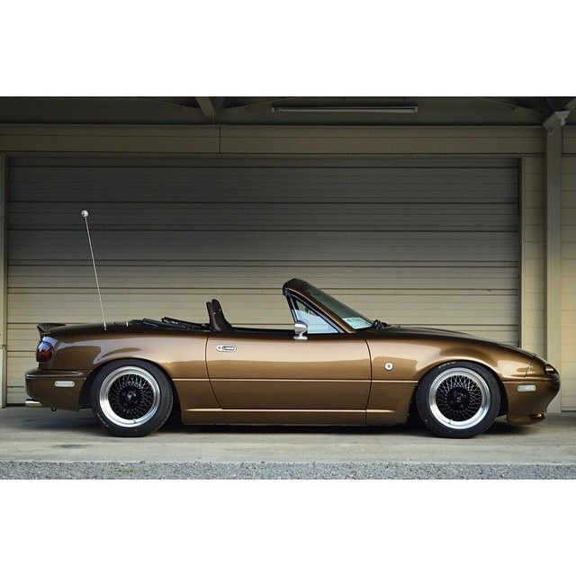 Mazda MX5 / Miata / Eunos - NA / Mk1 (cabriolet / convertible / sports car / roadster)