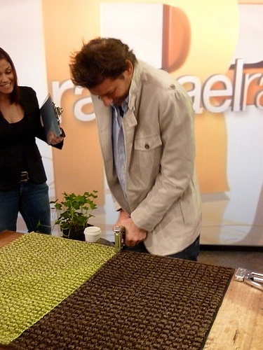 DIY Patio rug.  I am thinking maybe this could go under our dinning room table since we have carpet in that space.