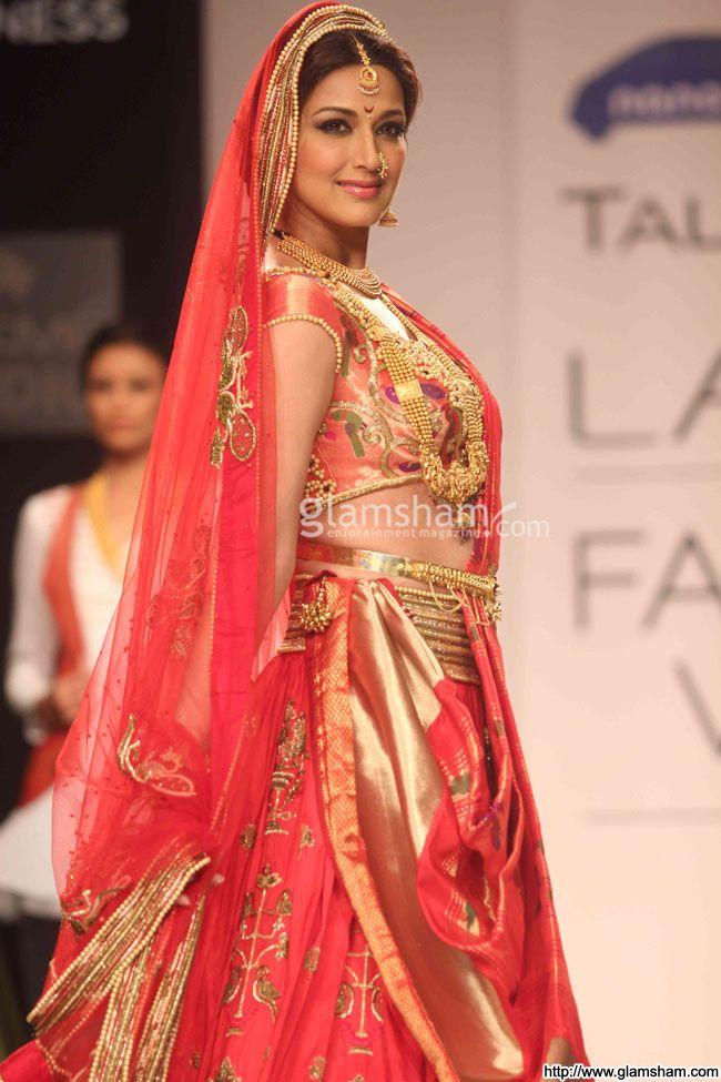 Sonali Bendre as a Maharashtrian Bride for Harshita Chatterjee Deshpande at Lakme Fashion Week, 2013-14