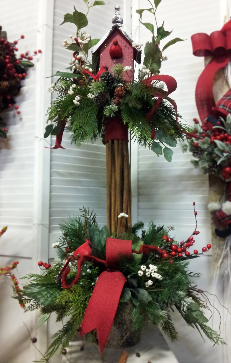 Holiday Arrangement created by Suzanne Sampson displayed at Jacobson.