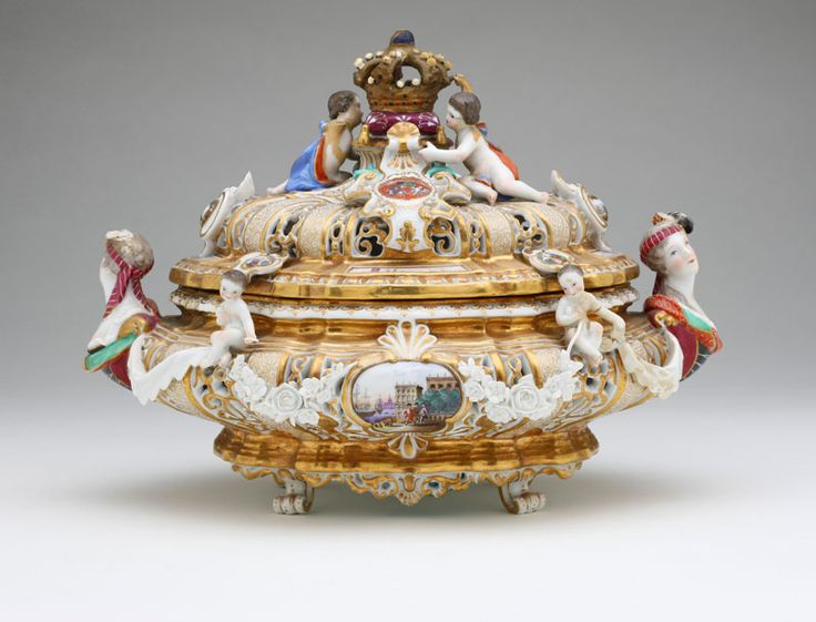 Lot# 1116 A Meissen porcelain reticulated tureen-form box and cover, after J.J. Kandler. est: $3000/5000 *Price Realized: $11,400.00