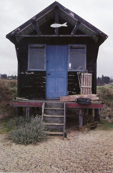 Litte seaside shack c/o - http://nomadicway.tumblr.com/post/416434145