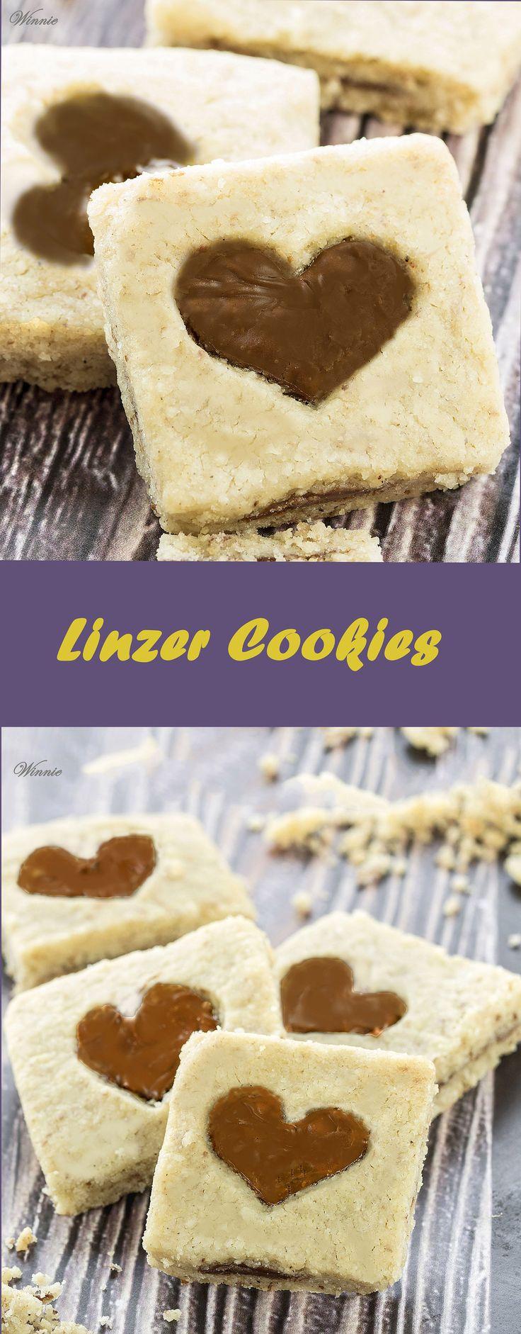 Linzer Cookies http://www.winnish.net/2012/04/1865/