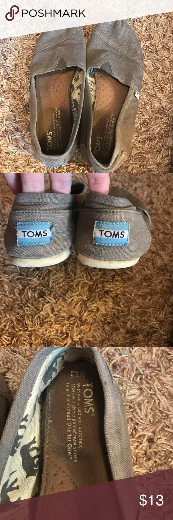 Gray Toms Size 6.5 Super cute! Very comfortable TOMS Shoes Flats & Loafers