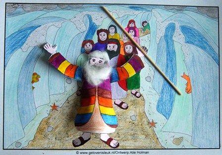 11: God maakt een weg, BBJ blz 92, Doortocht rode zee, knutsel Mozes met baard van watjes