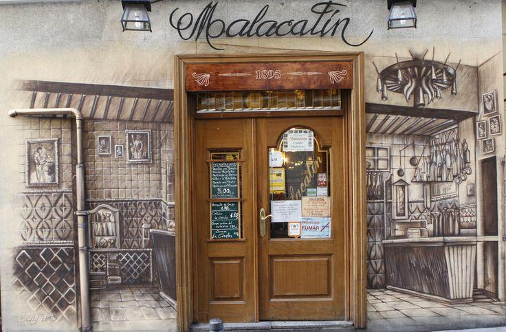 Nuestro Restaurante, por dentro y por fuera. Nuestra esencia, el alma de esta taberna centenaria.Bienvenidos