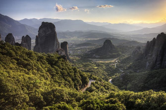 Meteora | The creation of this unique natural phenomenon is dated 25-30 million years ago  © wondergreece.gr